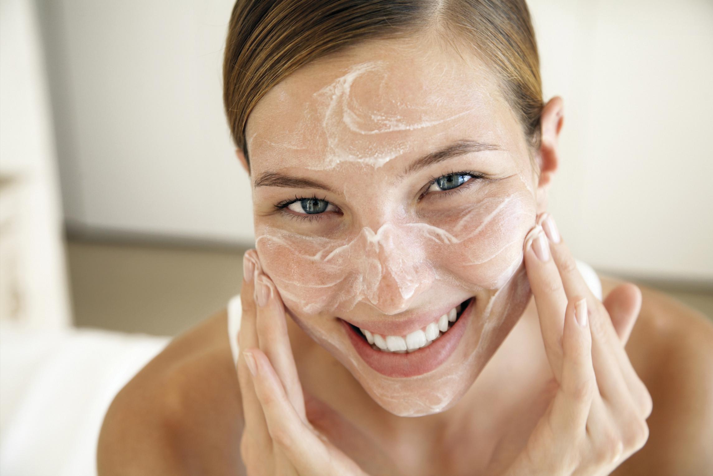 Por-que-fazer-limpeza-de-pele-é-tão-importante